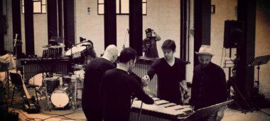 Elliot Cole: Percussion Music, un viaggio nel post-minimalismo in punta di archetto